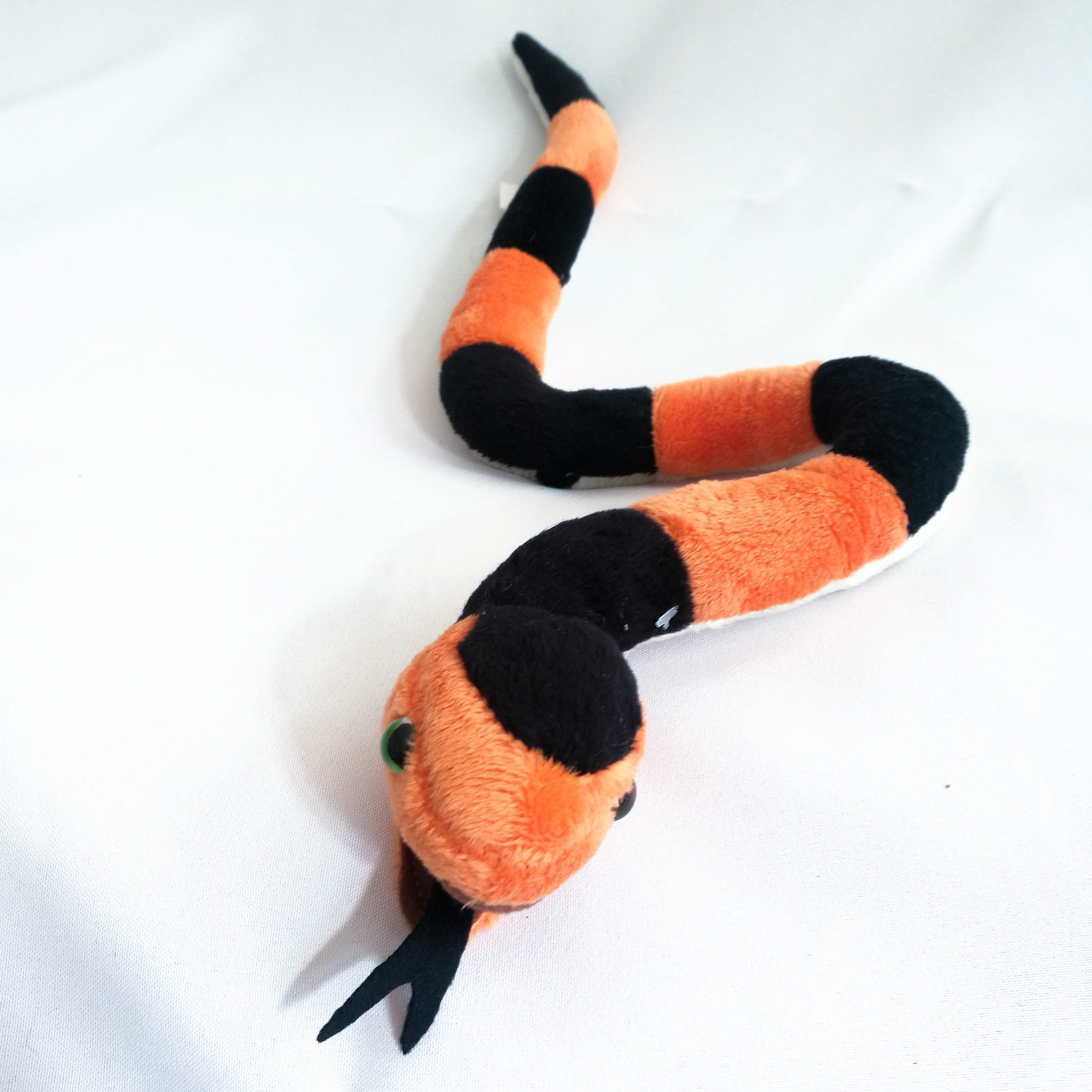 Plüschtier Schlange